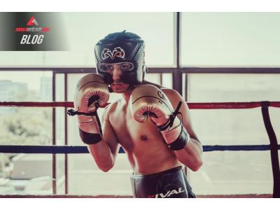 Боксерские перчатки от бренда Rival