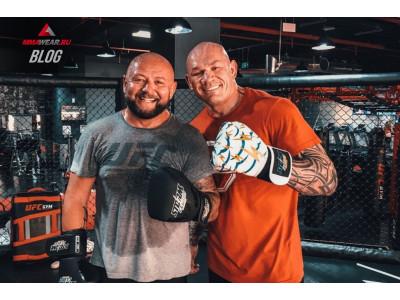 Что нужно знать о размерах боксерских перчаток
